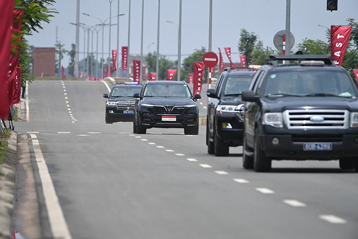 Thủ tướng Malaysia Mahathir Mohamad: 'Xe VinFast rất khỏe, thiết kế đẹp, êm như xe điện' - 7