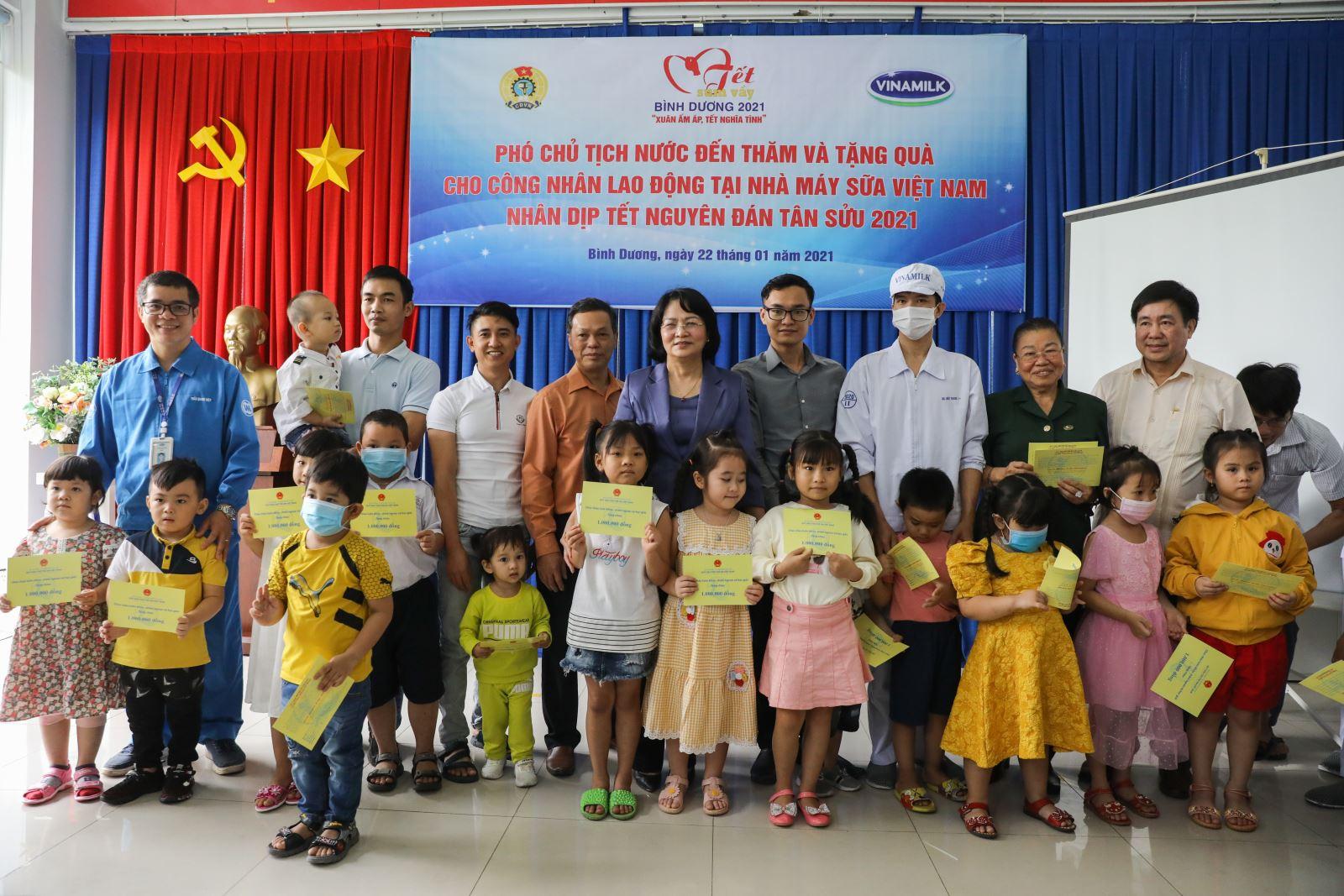 Phó Chủ tịch nước đánh giá cao công tác chăm sóc người lao động của Vinamilk
