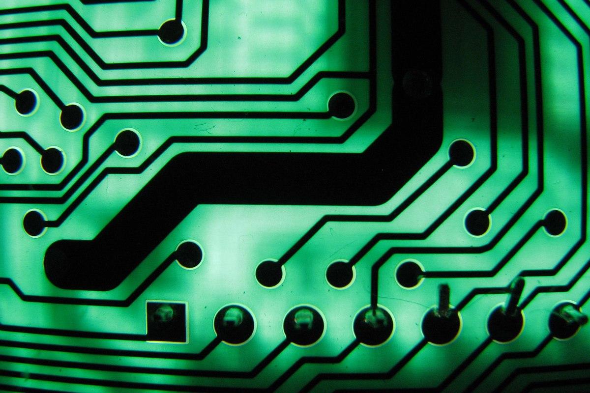 Thực hư tin đồn Trung Quốc cài siêu chip do thám Apple, Amazon