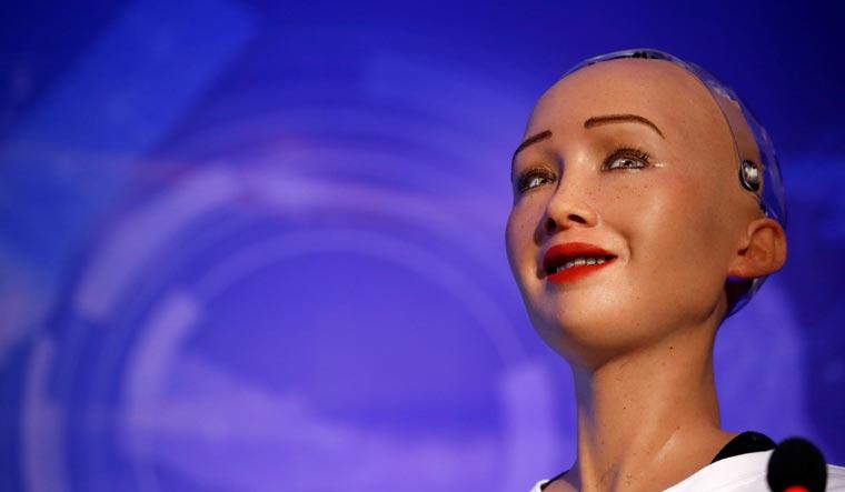Người máy Sophia sẽ được sản xuất hàng loạt vào cuối 2021, phục vụ kinh tế đại dịch