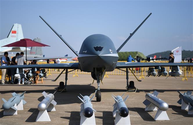 Trung Quốc đẩy mạnh mua sắm khí tài quân sự của Nga