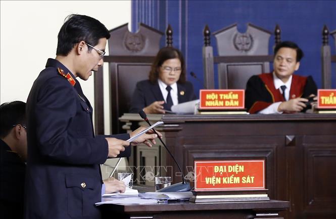 Đại diện Viện kiểm sát nhân dân tỉnh Phú Thọ đọc cáo trạng vụ án.