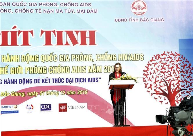 pho thu tuong vu duc dam du le mit tinh huong ung ngay the gioi phong chong aids