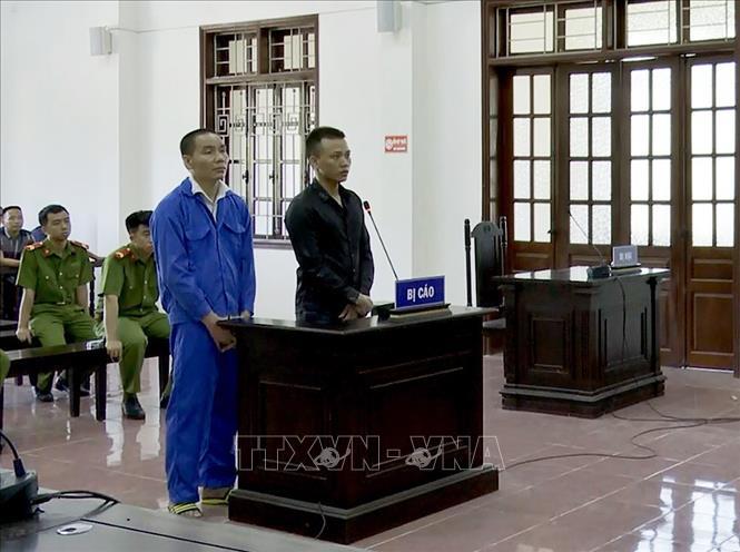 Lĩnh án tù chung thân và 20 năm tù giam về tội mua bán trái phép chất ma túy
