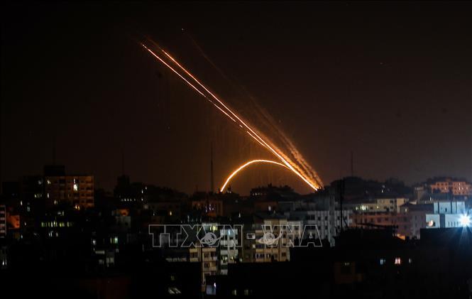 Israel không kích các mục tiêu tại Syria và Gaza