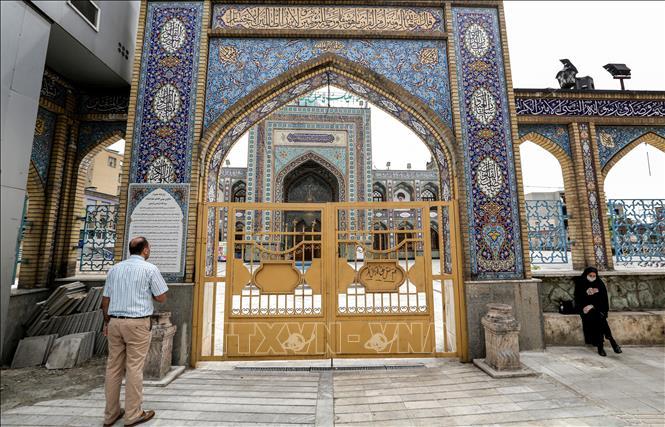 Iran cho phép nối lại hoạt động cầu nguyện tại một số đền thờ Hồi giáo lớn