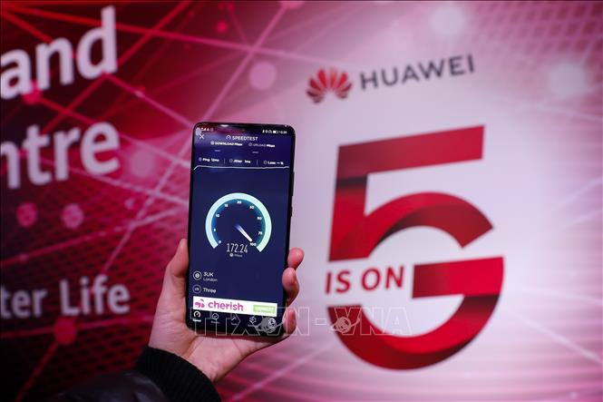 Anh sẽ loại dần các thiết bị của Huawei khỏi mạng 5G