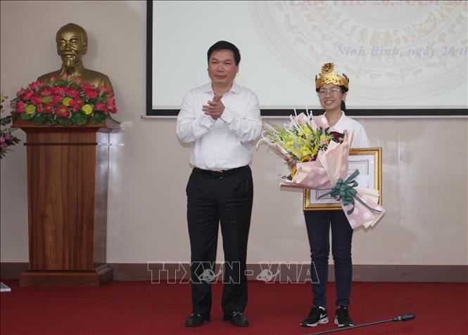 Ninh Bình vinh danh quán quân Đường lên đỉnh Olympia Nguyễn Thị Thu Hằng