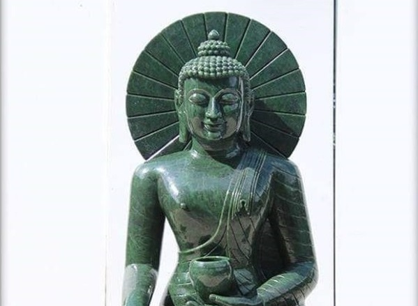 Quảng Ninh: Cung rước tượng Phật bằng ngọc nguyên khối nặng 3,8 tấn