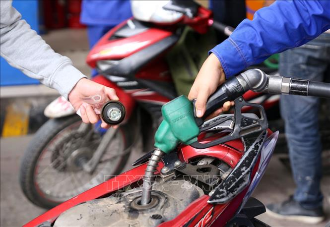 Xử phạt cơ sở kinh doanh xăng dầu có dấu hiệu ''găm hàng'' chờ tăng giá