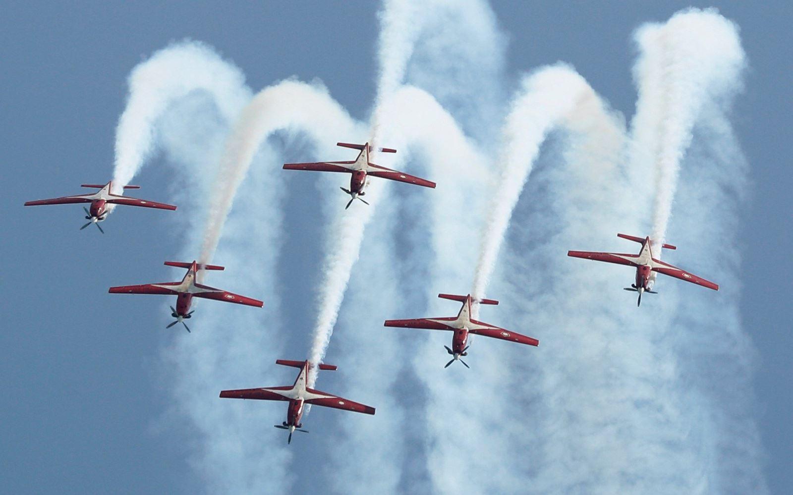 Máy bay quân sự đâm xuống Địa Trung Hải khi biểu diễn nhào lộn