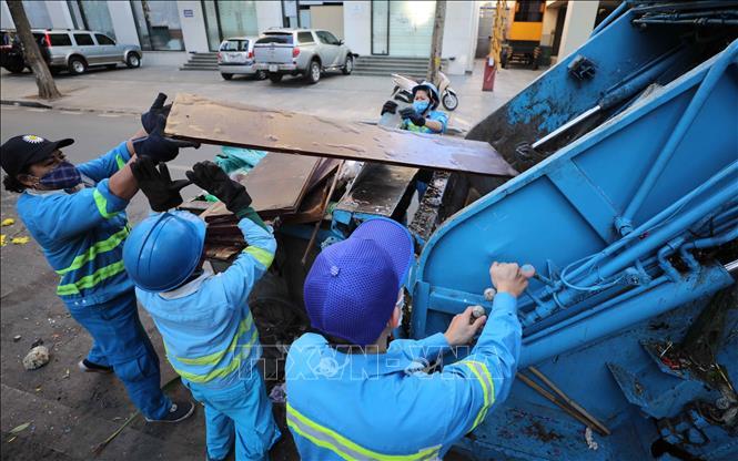 Chỉ đạo xử lý việc công nhân môi trường tại quận Nam Từ Liêm bị nợ lương