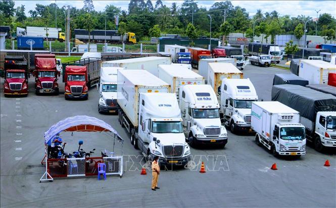 Dịch COVID-19: Không phát sinh thủ tục làm khó vận chuyển hàng hóa