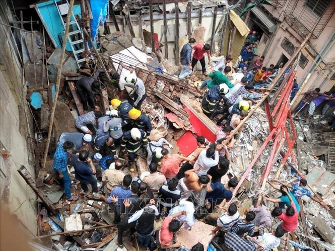Sập tòa nhà gần 100 năm tuổi tại Ấn Độ
