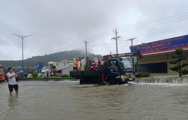 Rà soát lại tất cả các điểm, khu vực bị ngập nước ở đảo Phú Quốc
