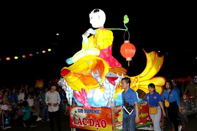 Lung linh Lễ hội rước đèn Trung thu lớn nhất Việt Nam
