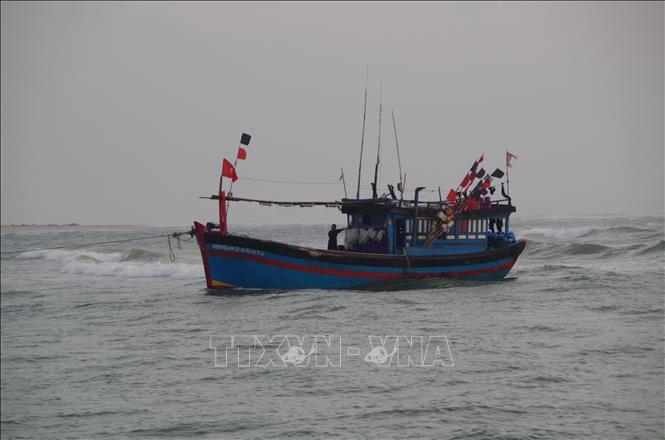 Tàu cá Quảng Bình cùng 5 thuyền viên mất liên lạc hơn 20 ngày
