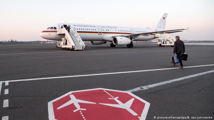 Máy bay chở Ngoại trưởng Đức hai lần gặp sự cố trên đường đến Mỹ