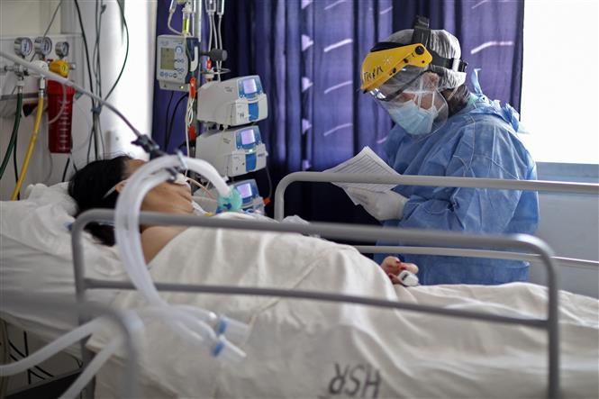 COVID-19 tới 6 giờ ngày 3/8: Thế giới sắp vượt 200 triệu ca bệnh; Trung Quốc báo động đợt sóng dịch mới