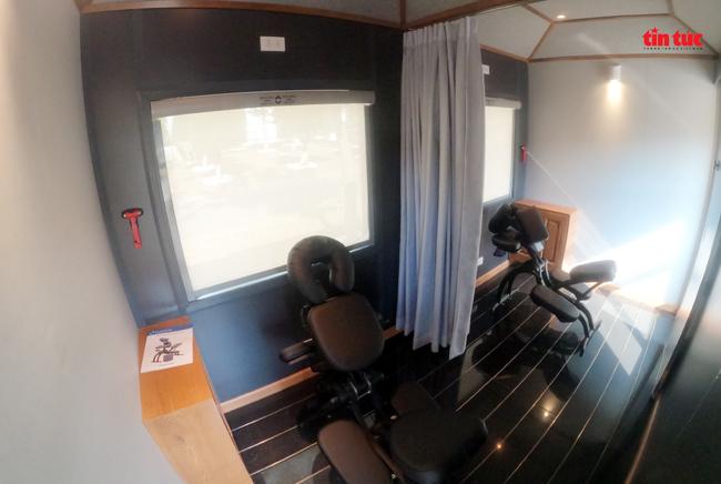 Cận cảnh toa tàu lửa có quầy bar và ghế massage thư giãn cho khách đầu tiên ở Việt Nam - ảnh 9