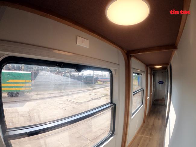 Cận cảnh toa tàu lửa có quầy bar và ghế massage thư giãn cho khách đầu tiên ở Việt Nam - ảnh 10