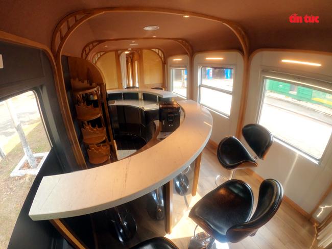 Cận cảnh toa tàu lửa có quầy bar và ghế massage thư giãn cho khách đầu tiên ở Việt Nam - ảnh 6
