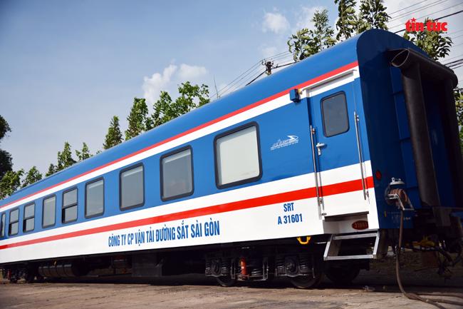 Cận cảnh toa tàu lửa có quầy bar và ghế massage thư giãn cho khách đầu tiên ở Việt Nam - ảnh 2