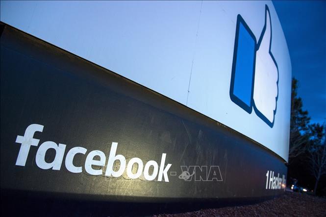 Biểu tượng Facebook tại Menlo Park, California, Mỹ. Ảnh: AFP/TTXVN