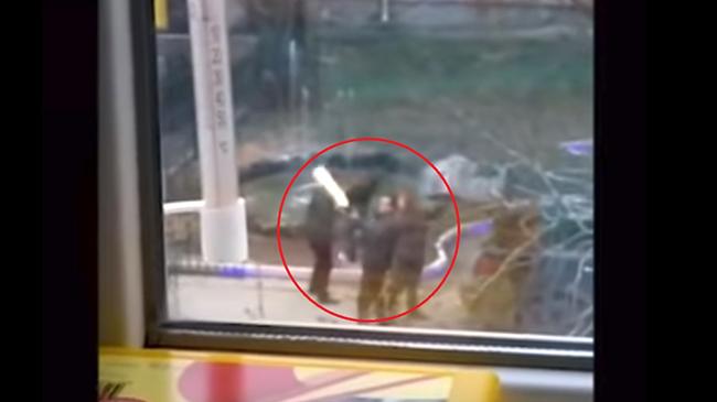 Nghị sĩ Nga 'bỗng dưng' bóp cò súng trong khu dân cư