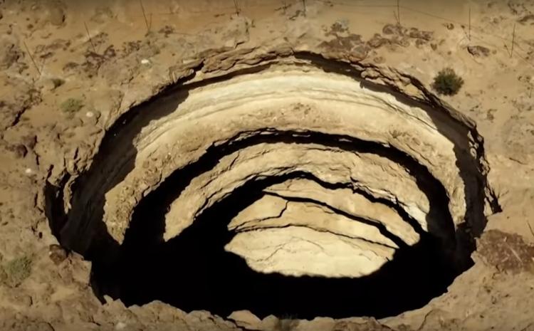 Bí ẩn xoay quanh 'giếng địa ngục' trên sa mạc Yemen | baotintuc.vn